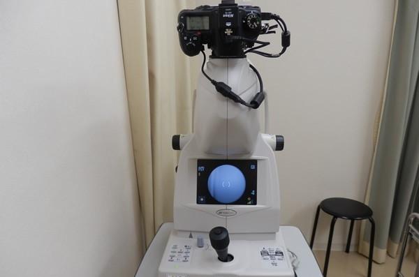 眼底カメラ(眼底検査・蛍光造影検査)眼底写真や造影剤を用いた写真を撮影します