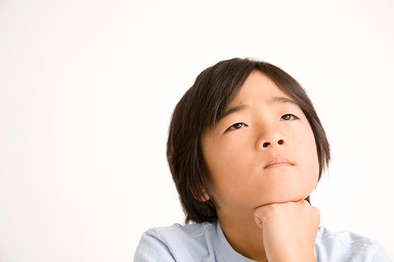 ・お子さまの斜視・弱視を疑うしぐさについて