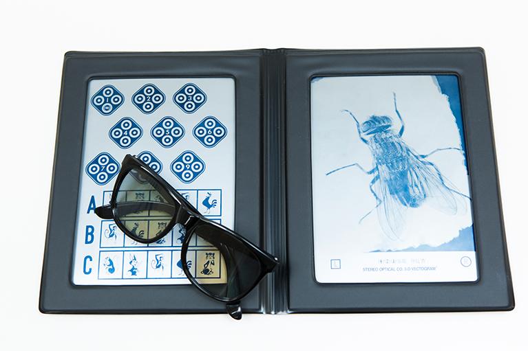 チトマスステレオテスト(両眼視検査)立体視(両眼視)を測定します